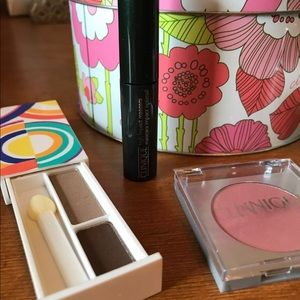 Clinique Makeup - Clinique tin with Clinique products NEW